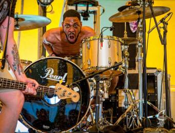 andrew b drums scream